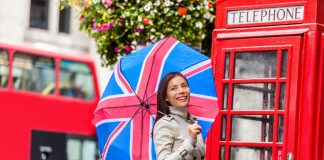 London Dos And Don'ts: Tourist Etiquette In The UK Capital